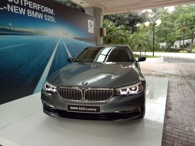 Genjot Jualan, Beli Mobil BMW Dapat Gratis Bensin   (992)