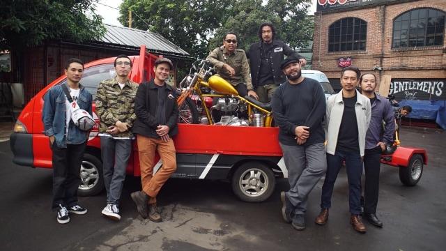 Motor Chopper Jokowi Berlapis Emas
