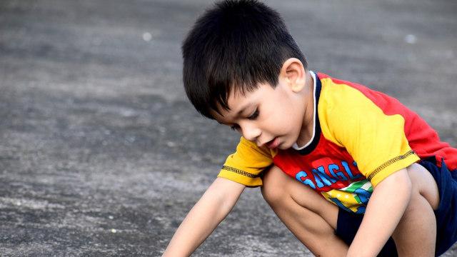 Normalkah Anak yang 'Jago Kandang'? (91602)