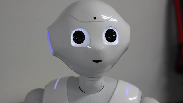 Ilustrasi robot pelayan supermarket