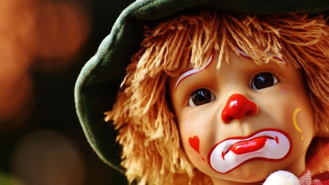 Boneka badut anak