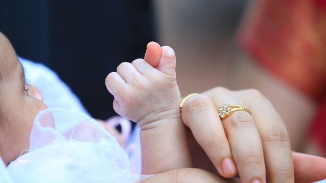 Sentuhan bayi dan ibu