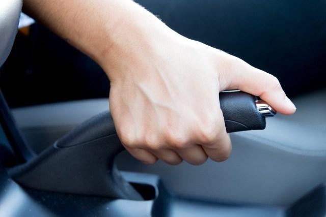Tips Perawatan Mobil yang Sering Kena Macet (325)