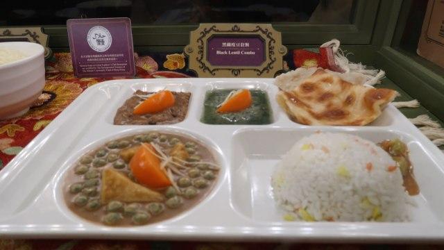 Makanan Halal di Hong Kong Disneyland