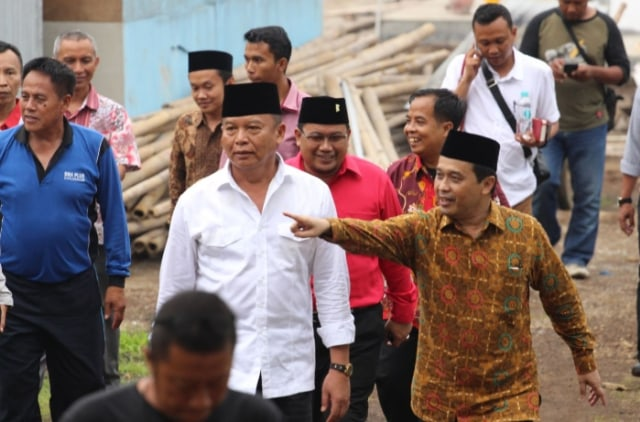 Berkunjung Ke Pesantren, Kang Hasan Dititipi Pesan Bung Karno (7443)