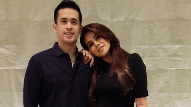 Olla Ramlan dan suami