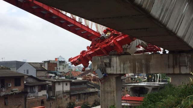 4 Kecelakaan Infrastruktur: Girder Jatuh Hingga Longsor Soetta (207576)