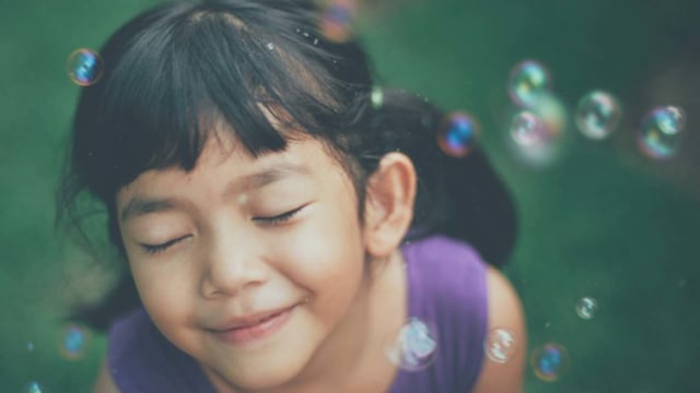 Ilustrasi anak bahagia
