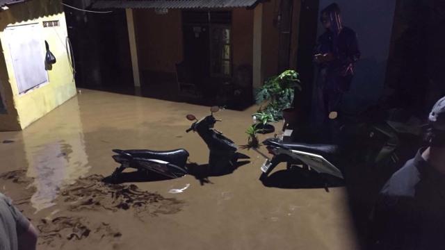 Pertolongan Pertama Ketika Motor Terendam Banjir  (1391800)