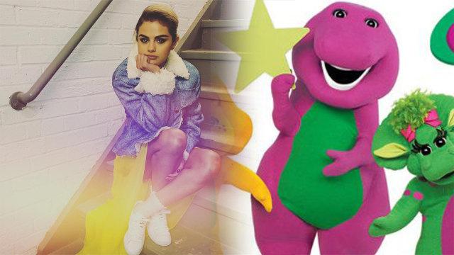 Selena Gomez dan boneka Barney