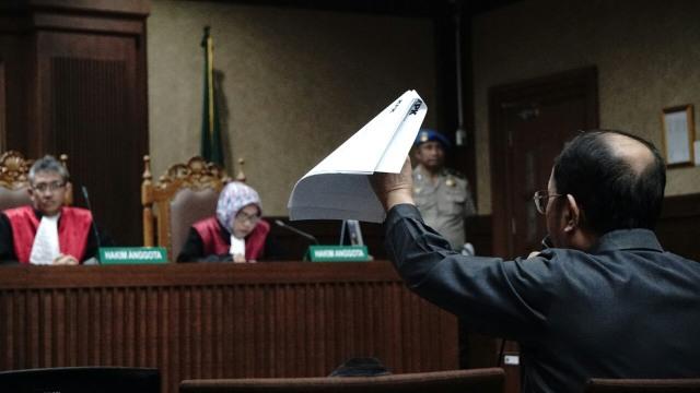 Jaksa KPK dan Fredrcih Yunadi Sama-sama Ajukan Banding (211426)