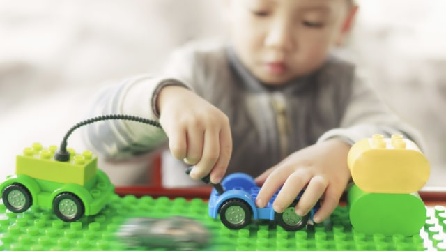 Anak dengan Autisme, Mulai Umur Berapa Bisa Dikenali Tandanya? (1308)