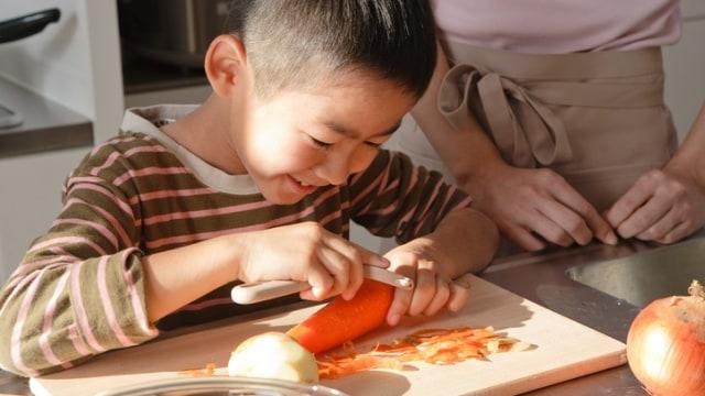 Ajak anak masak bersama