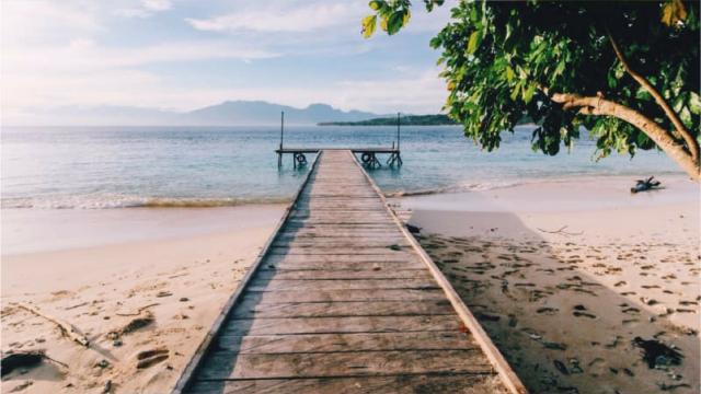 Pesona Keindahan Pulau Tujuh Di Maluku Kumparan Com