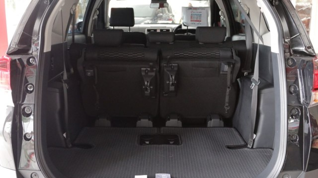 Bedah Toyota Rush TRD Sportivo, Varian Low SUV Terlaris (1029526)