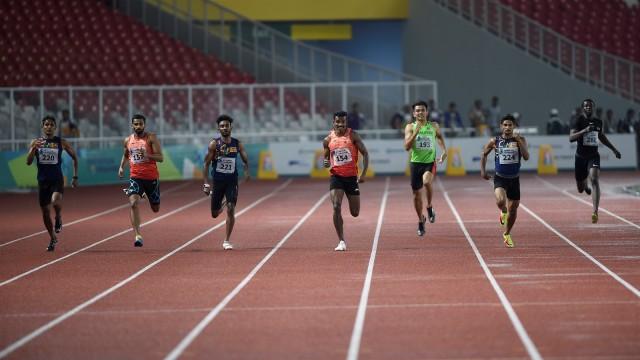 Lari 400 meter putra.