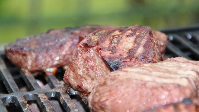 Cara Perempuan Ini Memasak Steak di Panggangan Roti Bikin Netizen Terheran-heran (252849)
