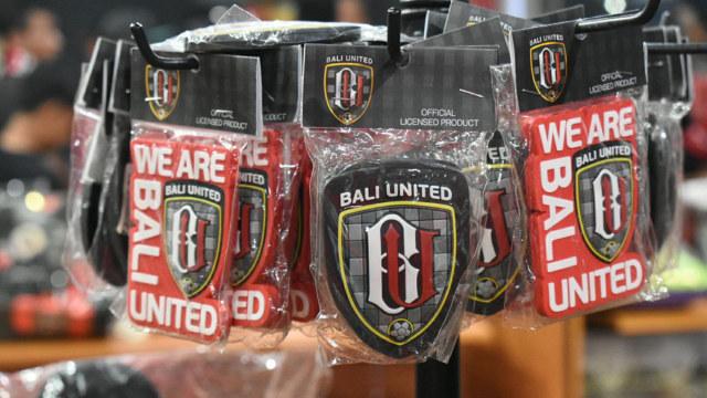Berkunjung ke Gianyar, Berkunjung ke Bali United Store | kumparan.com