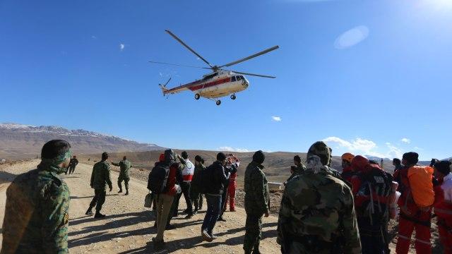Pencarian pesawat jatuh di Iran