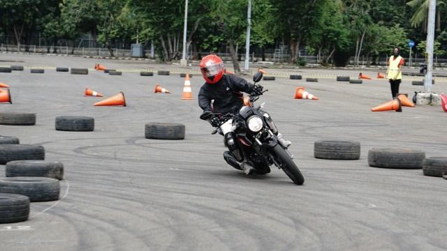 Test ride all New Honda CB 150 Verza