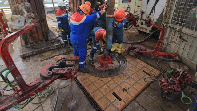 Pengeboran minyak lapangan Jatiasri-9