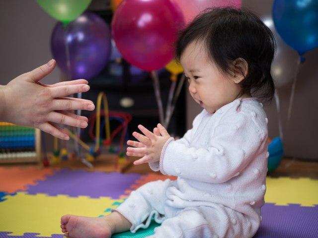 Umur Berapa Bayi Bisa Tepuk Tangan (53799)
