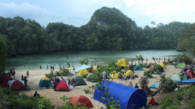 u8abknc5vli4thct4pjf - Pantai Cantik di Malang ini Juga Cocok untuk Kemping!