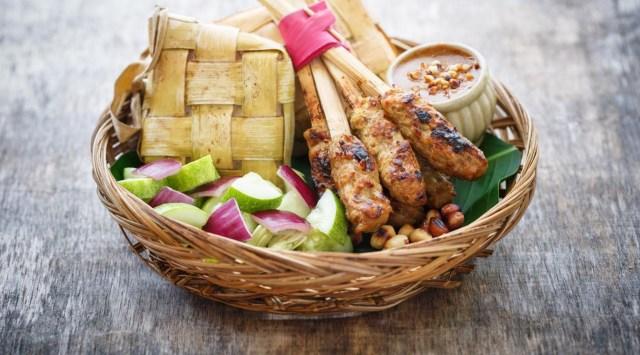 10 Kuliner Khas Bali yang Gurih nan Lezat (85799)