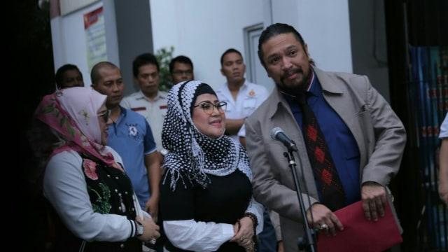 Elvy Sukaesih di Polda Metro Jaya