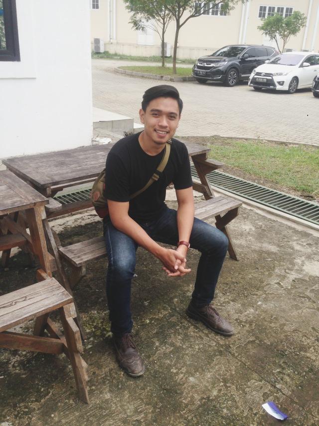 Tips Mix & Match Outfit ke Kampus Ala Mahasiswa President University (440588)