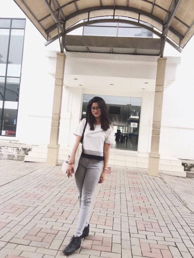 Tips Mix & Match Outfit ke Kampus Ala Mahasiswa President University (440587)