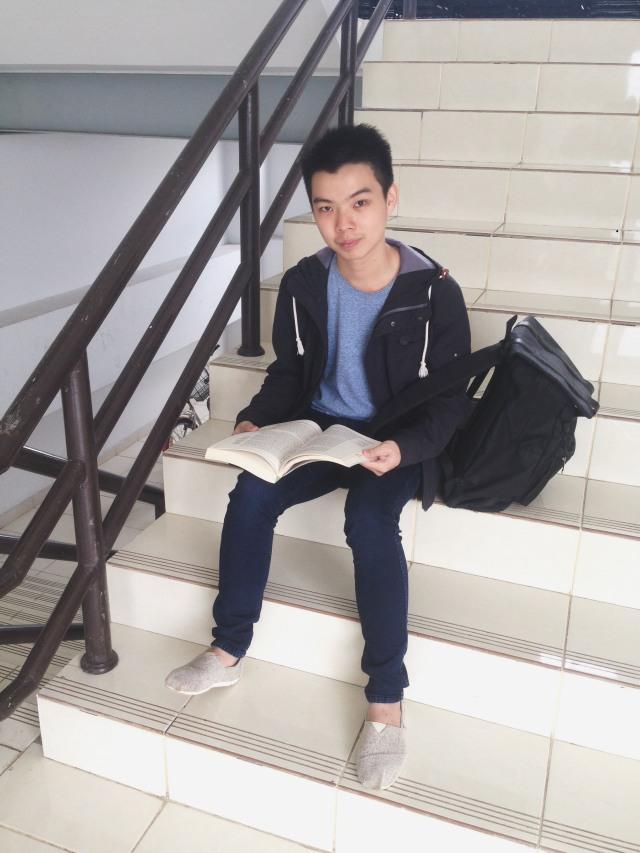 Tips Mix & Match Outfit ke Kampus Ala Mahasiswa President University (440590)