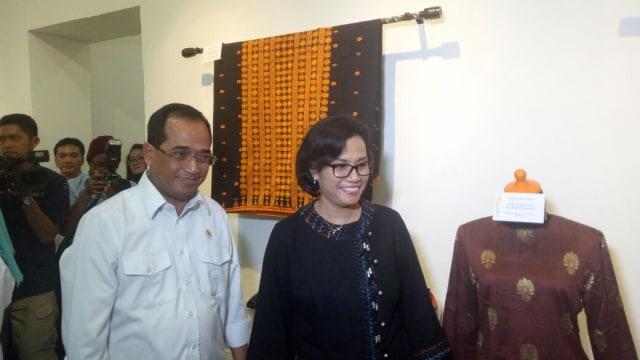 Sri Mulyani melihat lelang milik pejabat