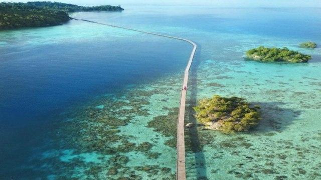 Menengok Jembatan Menakjubkan di Pulau Papan, Sulawesi Tengah (61009)