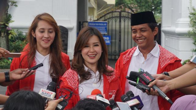 Jokowi Beri Tips Grace Natalie dan Tsamara Amany Menangkan Pemilu 2019 (63898)