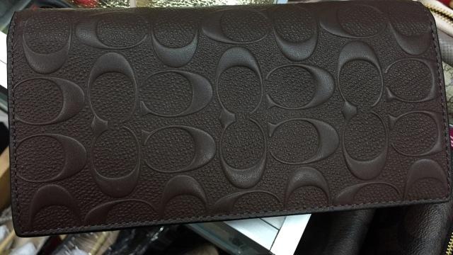 7 Dompet Branded yang Bisa Kamu Temukan di Irresistible Bazaar 11 (62713)