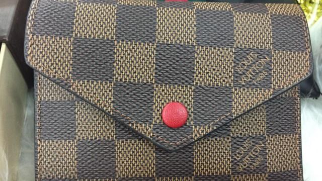 7 Dompet Branded yang Bisa Kamu Temukan di Irresistible Bazaar 11 (62710)