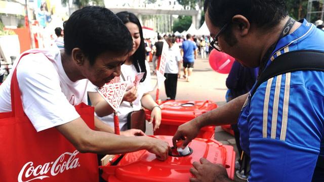 Coca-Cola Investasi Rp 556 Miliar Bangun Fasilitas Daur Ulang Botol Plastik (147110)