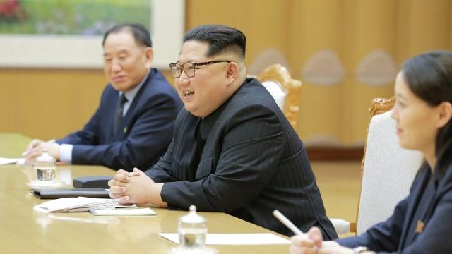 Kim Jong Un bertemu delegasi Korea Selatan.