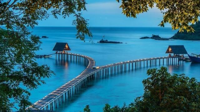 Hasil gambar untuk Pulau Bawah