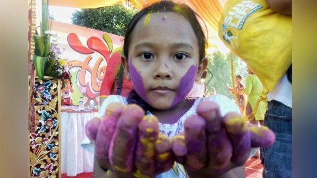 Warna-warni Festival Holi di Denpasar Bali (321147)