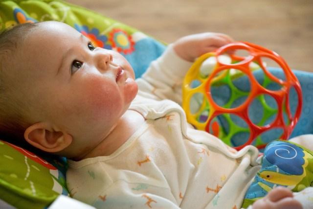 Ilustrasi Mainan untuk Bayi