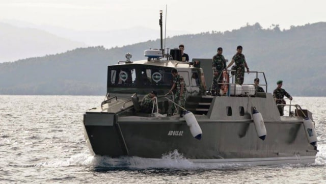 Kapal motor cepat (KMC) Komando