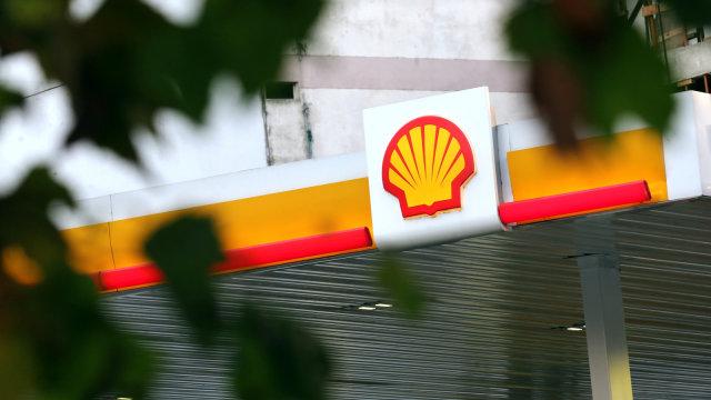 Jadi 'Tumbal' Pengembangan Energi Hijau, 1.500 Pekerja Shell Akan di-PHK