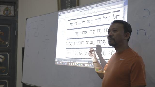 Mengunjungi Tempat Kursus Bahasa Israel Pertama di Jakarta  (388)