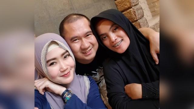 Kebersamaan Bu Dendy dengan keluarga