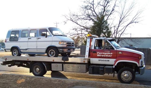 Mitos atau Fakta, Dorong Mobil Matik Pantang Dilakukan? (287804)
