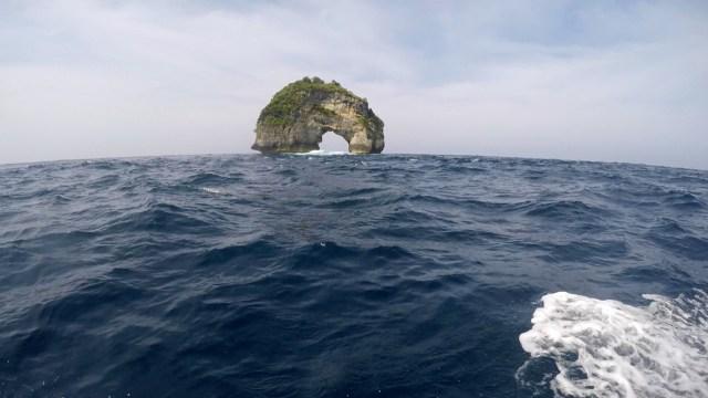 Batu Bolong, Nusa Penida