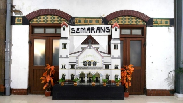 Pulang, Kereta Api, dan Semarang (599888)