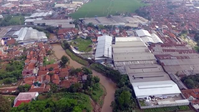 Pabrik-pabrik di Majalaya